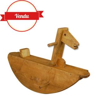 grand cheval a bacules,cheval a bascule en bois,cheval a bascule design,cheval a bascule vintage,graphique,original,bois,majdeltier,vintage