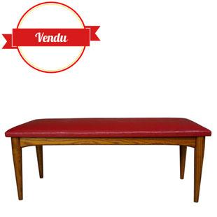 banc scandinave,petit banc scandinave, pouf, scandinave, vintage,bois,simili cuir,petit banc,grand tabouret, intérieur,simili cuir, rouge,vintage