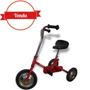 tricycle,enfant,vélo,vintage,retro,rodeo,rodéo,rouge