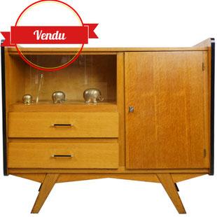 buffet des années 50 ,meuble a ailerons,meuble racé,meuble vintage,design des années 50,ailerons noirs,bakelite,maideltier,design et vintage,lille