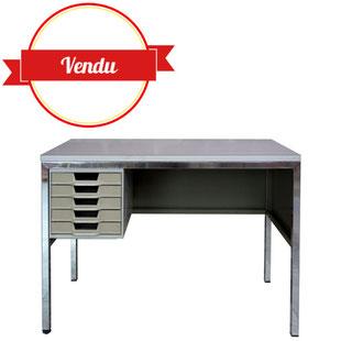 bureau industriel,bureau olivetti,desk,ettore sottsass,france,1960,industriel,quadrum,centre pompidou,vintage,métal,chromé,blanc