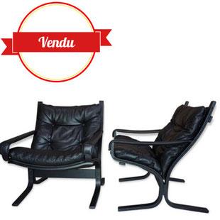 fauteuil siesta,fauteuil scandinave,fauteuil danemark,danois,fauteuil,cuir,noir,sangle,scandinave,1960,1970,bois courbé,chic,paire