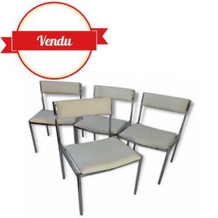 Chaises 1970 simili, cuir, blanc, chrome ,vintage,1970,dossier,incurvé,jolies,vintage