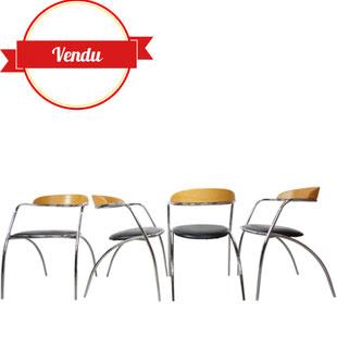 chaises chromées vintage,chromé design,design,design italien,vintage,chaises de repas,chaises de salle a manger,chaises de cuisine,années 80,1980,1970,simili cuir,élancées,originales,moderne,moderniste,bois,bois et chrome,majdeltier