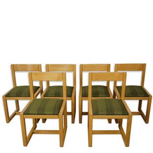 chaises traineau,chaises bois jaune ,piétement luge,tissu vert,chevron,tissu géométrique,chaises vintage,lille,majdeltier,chaises design