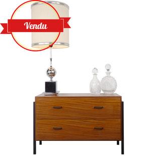 Commode en teck années 50,ambiance vintage,le vintage c'est chic,meuble bas design,teck,années 50,majdeltier,design et vintage lille,commode basse,commode,ancienne,banc tv,meuble télé,majdeltier