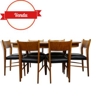 table de repas scandinave plus chaises ,salle a manger scandinave,table et chaises scandinave,table ovale de grande dimension,table surf,majdeltier,lille,années 60