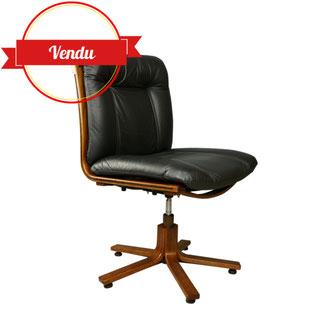 fauteuil de bureau scandinave,fauteuil tressage,fauteuil de bureau design en cuir,fauteuil de bureau en bois,fauteuil de bureau ancien,pied étoile,années 70,cuir noir,fauteuil de bureau vintage,fauteuil design,majdeltier