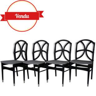 4 chaises vintage en rotin noir,chaises de salle a manger en rotin,chaises vintage en rotin,chaise scandinave en rotin,laniéres de cuir,bois courbé,chaises vintage,majdeltier,design des années 60,rénovées,restaurées,angulaire,élégante,rotin,tissu motif