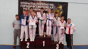 Выборгская команда с тренерами Дмитрием Поповым и Денисом Топузиди
