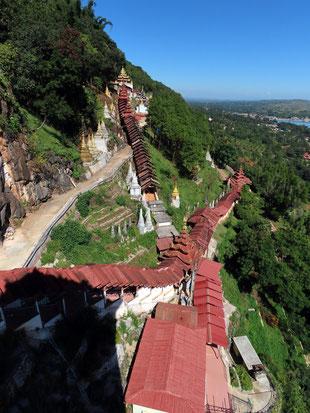 Treppenaufgang zu den Höhlen von Pindaya