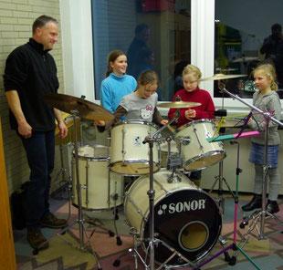 Bild Blaskapelle Meeder - Schlagzeug ausprobiert