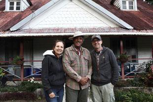 Martin Schäfer mit Clara und Pepe Prette auf ihrer Hacienda (Foto: Woyton)