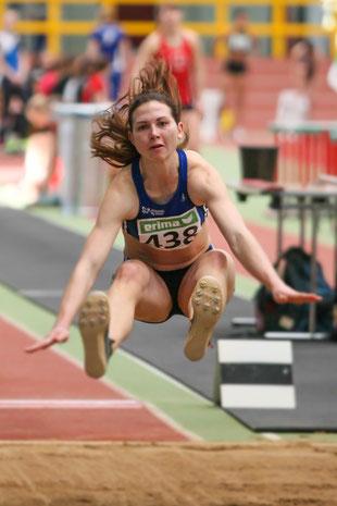Im Dreisprung der Frauen landete Klaudia Kaczmarek mit nur 2 cm Rückstand auf den Bronzerang auf Platz vier.