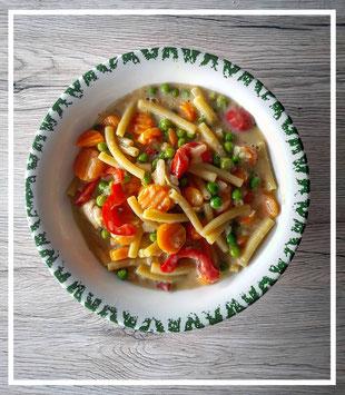 Onepot-Pasta mit Gemüse und Hähnchenbrust