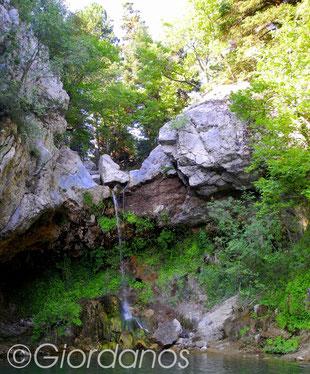 Drimonas Evia Griechenland-Wasserfall Stufe 1