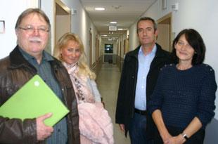 Dr. Wolfgang Etspüler, Dr. Isabelle Kohnle (beide GfBK) sowie Dr. Fadil Brovina und Elke Walther (komm. Chefarzt und Verwaltungsdirektorin der BioMed-Klinik) v.l.n.r.