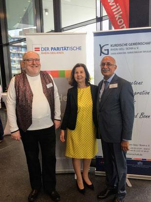 Auf dem Bild von li.n.re.: Udo Haak, Renate Frohnhöfer, Musa Ataman