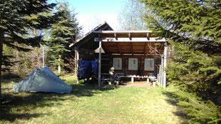 Übernachtung an einer Schutzhütte im NSG am Norreå
