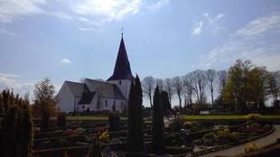 Kirche und Friedhof in Riese bei Rodekro