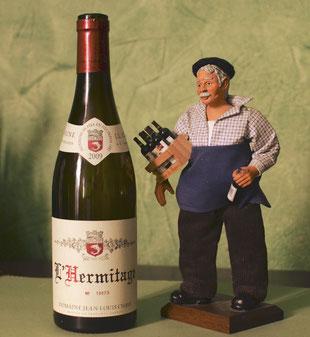 Pochtron 1er veille jalousement sur la bouteille d'Hermitage