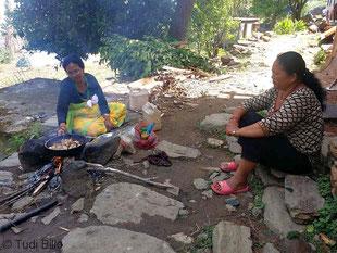 Nepal Kochen unter freiem Himmel