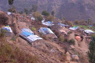 Das schwer beschädigte Dorf Bigu im Dolakha Distrikt