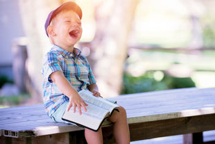 Klopf-Akupressur hilft Kindern bei ihrer Eroberung der Welt