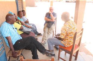 Gespräch mit  der Frauengruppe in Bilanga über die Genitalverstümmelung von Mädchen