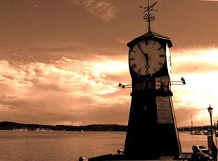 Clock-Tower an der Schiffs-Anlegestelle