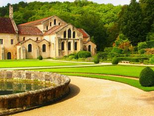 die Kirche und der Ostflügel der Abtei