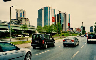 die östliche Stadt-Anfahrt zum Zentrum 40 km