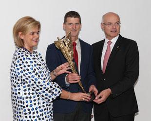 Lotterien Vorstand Bettina Glatz-Kremsner, Wilhelm Lilge und Lotterien Generaldirektor Karl Stoss