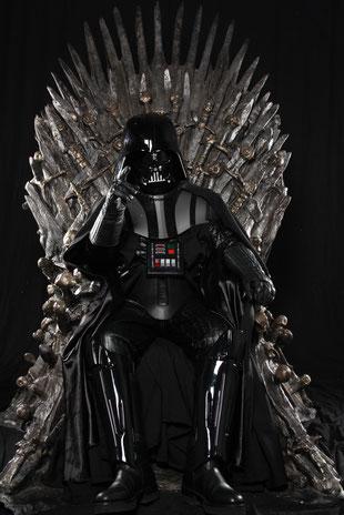 Darth Vader auf dem Eisernen Thron