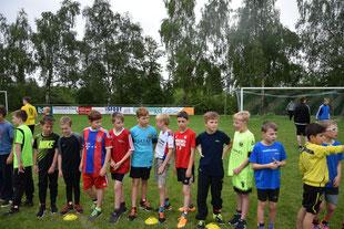 Das Jungenteam vor dem Start