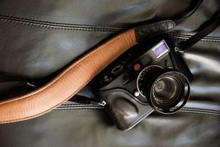 Erfahrungsbericht EDDYCAM-Kameragurte: 42mm-Gurt-Rückseite mit LEICA M9. Foto: bonnescape