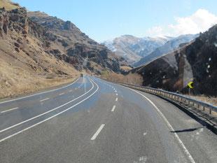 Wir schaffen es die Berge der Osttürkei noch vor den ersten Schneefällen zu durchqueren
