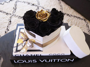 Foto van long life flower box Black and Gold