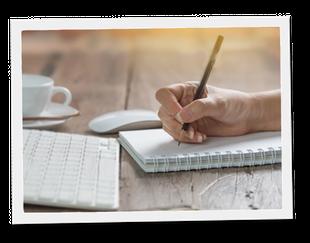 A portée de mots, rédaction et corrections rapports, compte rendus, PV