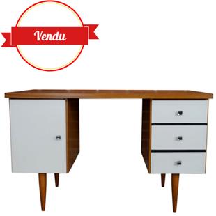 bureau vintage,bureau années 60,relooking d'origine,favade blanche,peinture,teck,tiroirs,poignées chromées,bureau design ancien