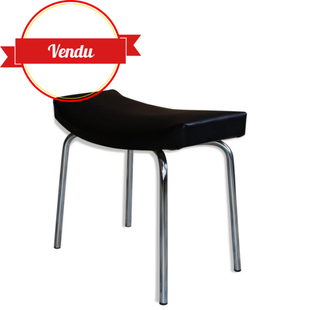 tabouret taureau pierre guariche,tabouret design pierre guariche,pierre guariche,meurop,1960,simili cuir,noir,skai,courbé,guariche,design francais,design français,french,bench,chair