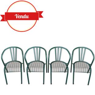 4 chaises en métal,chaises tolix, chaises anciennes en metal,xavier pauchard,tolix,indus,industriel,vintage,design,vert foret