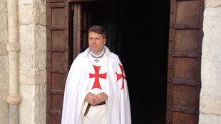 Templer Italien Umhang Robe Pfarrer