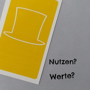 Gelber Hut, Yellow Hat: Fragt nach dem Nutzen und Werten.