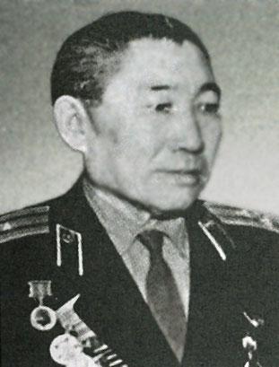 Георгий Еремеевич Попов — начальник военной кафедры Якутского госуниверситета 1956 - 1960 гг
