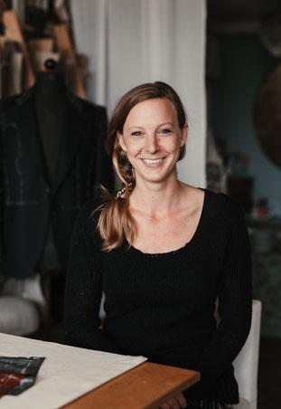 Portrait Manuela Leis, Herrenschneiderin in Berlin