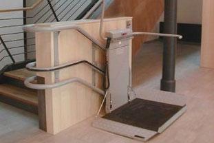 Plattformlift Omega- Der Rollstuhllift für schwierige Treppen