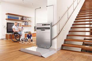 Plattformlift Stratos- Der Rollstuhllift für kurvige Treppen