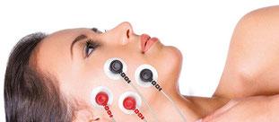 Gesicht Frau mit EMS Elektroden