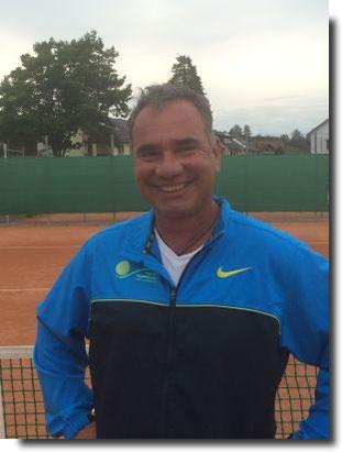 International erfahrener Tennistrainer